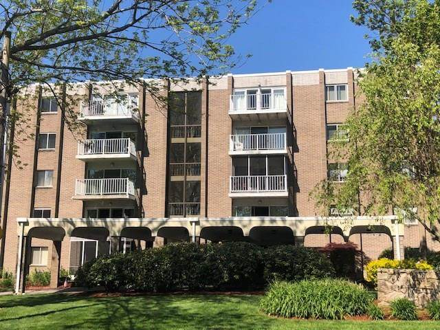 200 Hoffman Avenue #305, Cranston, RI 02920 (MLS #1255602) :: The Martone Group