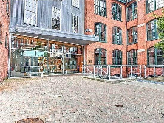 10 Exchange Court - Photo 1