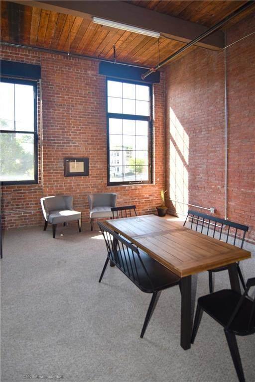 685 Social Street #203, Woonsocket, RI 02895 (MLS #1258297) :: Spectrum Real Estate Consultants