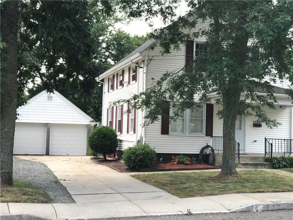 1528 Smithfield Avenue - Photo 1