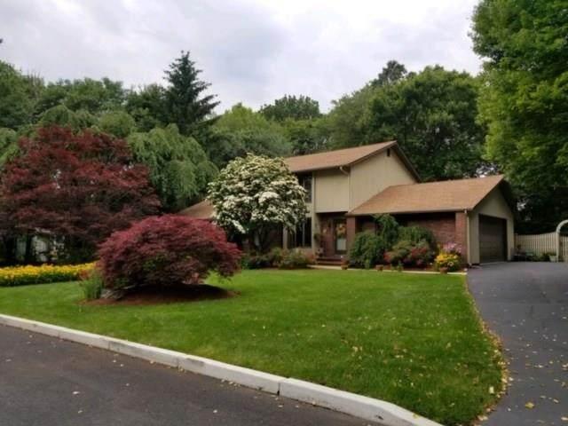 27 Carrie Ann Drive, Cranston, RI 02921 (MLS #1263933) :: The Mercurio Group Real Estate