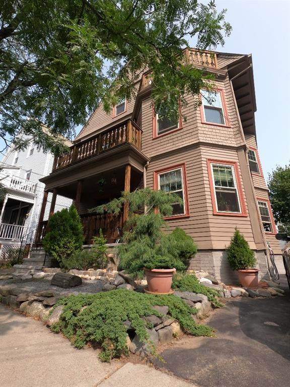 136 Larch Street, East Side of Providence, RI 02906 (MLS #1264438) :: The Mercurio Group Real Estate