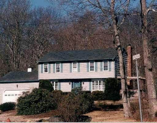 11 Gray Drive, North Kingstown, RI 02852 (MLS #1270666) :: Westcott Properties