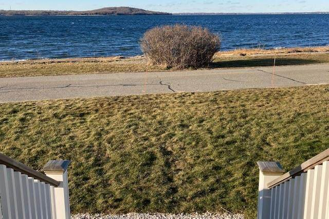 216 Common Fence Boulevard, Portsmouth, RI 02871 (MLS #1276026) :: The Martone Group