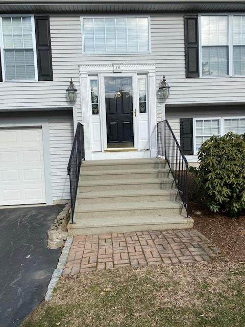 11 College Hill Road 3B, Warwick, RI 02886 (MLS #1277890) :: Welchman Real Estate Group