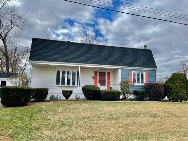 141 Moore Street, Warwick, RI 02889 (MLS #1279635) :: Westcott Properties