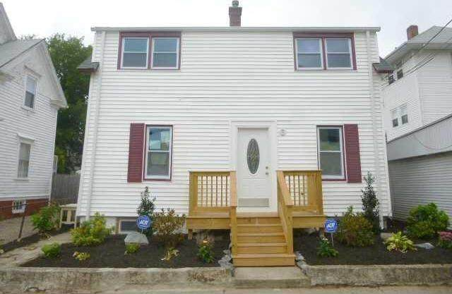 7 Ivy Street, Pawtucket, RI 02860 (MLS #1281423) :: Spectrum Real Estate Consultants
