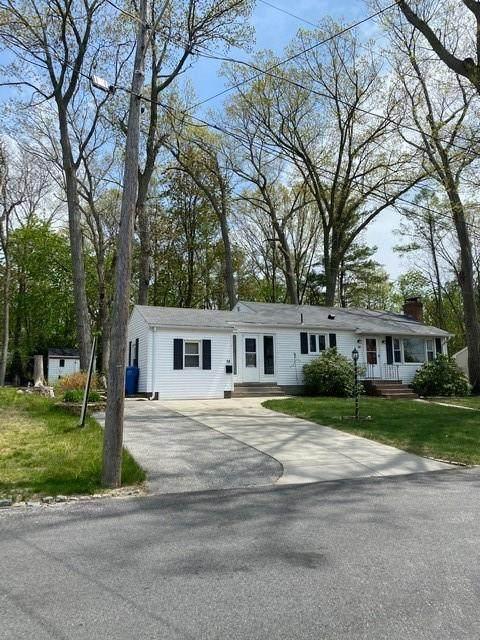 14 Woodhill Drive, Cranston, RI 02910 (MLS #1282198) :: Westcott Properties