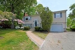 111 Mayflower Drive, Seekonk, MA 02771 (MLS #1283586) :: Spectrum Real Estate Consultants