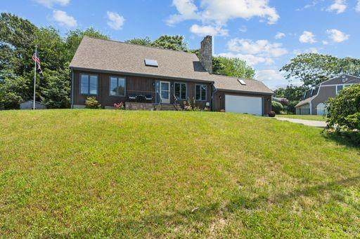 20 Corte Real Drive, Bristol, RI 02809 (MLS #1287441) :: Welchman Real Estate Group