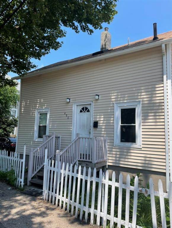 496 Huntington Avenue, Providence, RI 02907 (MLS #1287638) :: The Martone Group