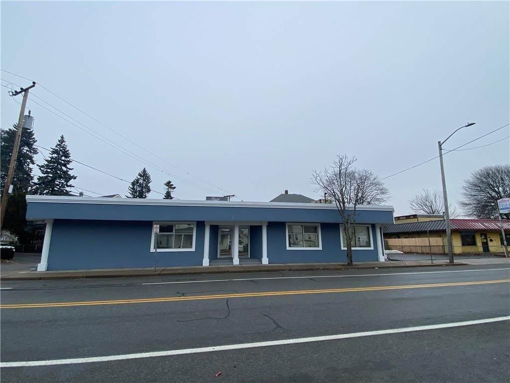 457 Smithfield Avenue - Photo 1