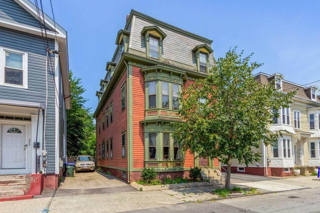 225 Carpenter Street - Photo 1