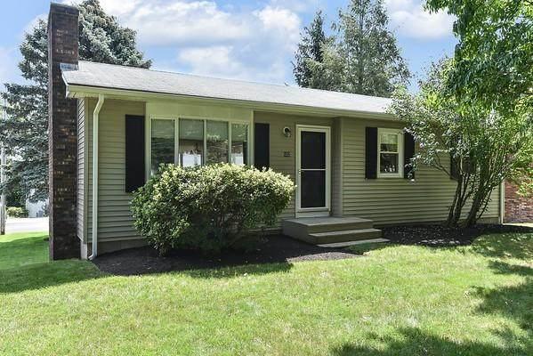 602 Phenix Avenue, Cranston, RI 02921 (MLS #1289793) :: Spectrum Real Estate Consultants