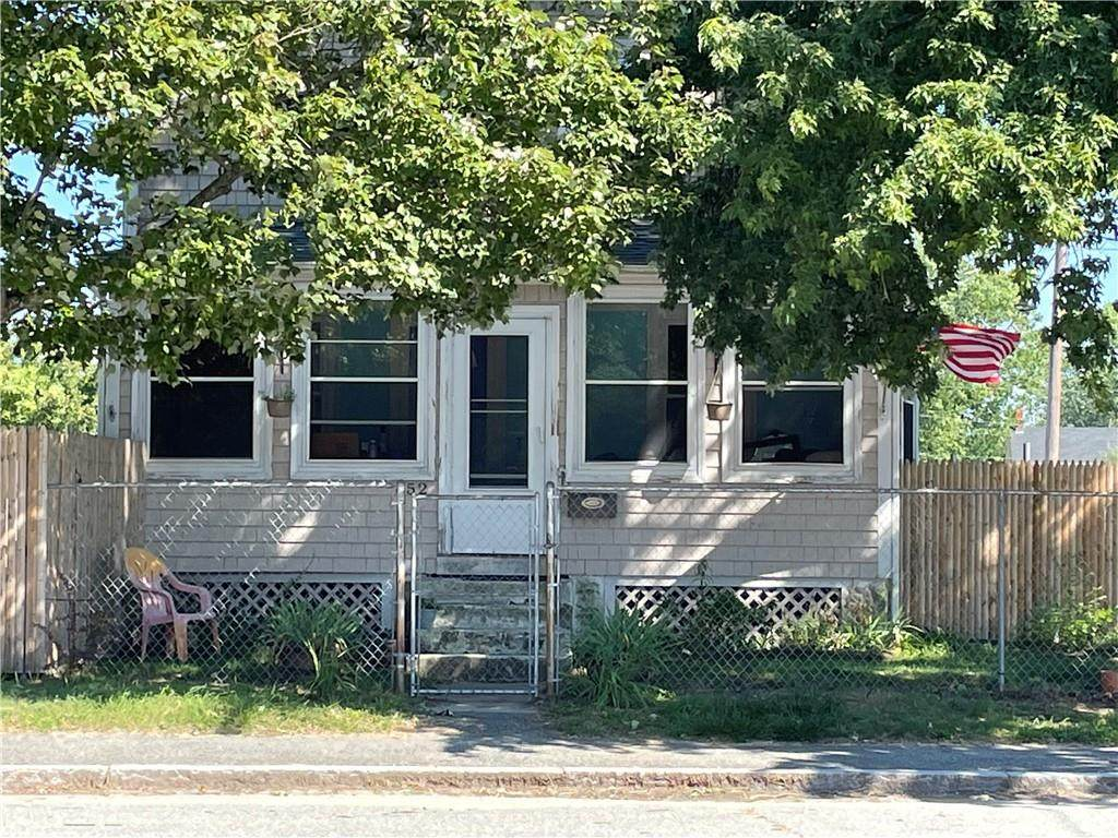 652 Oakland Beach Avenue - Photo 1