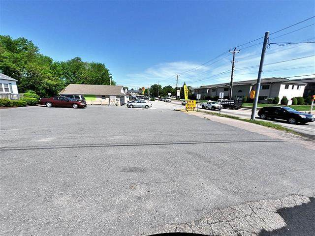 284 Cowesett Avenue - Photo 1