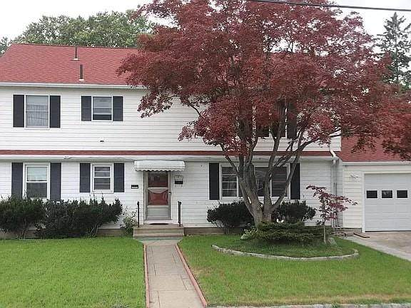 61 Kenyon Road, Cranston, RI 02910 (MLS #1294229) :: Chart House Realtors