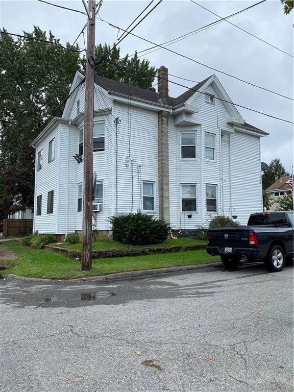 60 Standish Avenue, Cranston, RI 02920 (MLS #1295415) :: The Martone Group