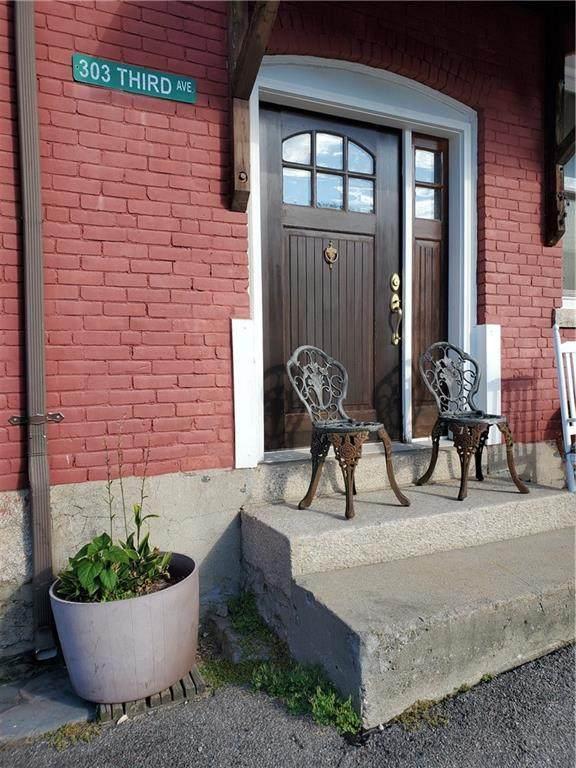 303 Third Avenue, Woonsocket, RI 02895 (MLS #1296314) :: Edge Realty RI