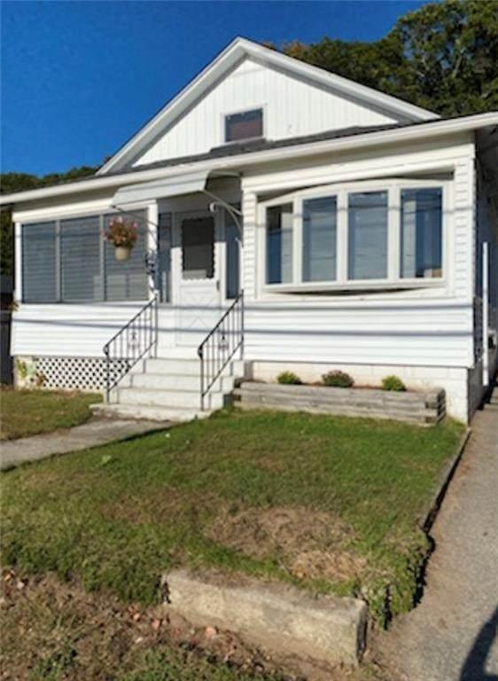 27 Fenwood Avenue, Smithfield, RI 02917 (MLS #1296544) :: The Martone Group