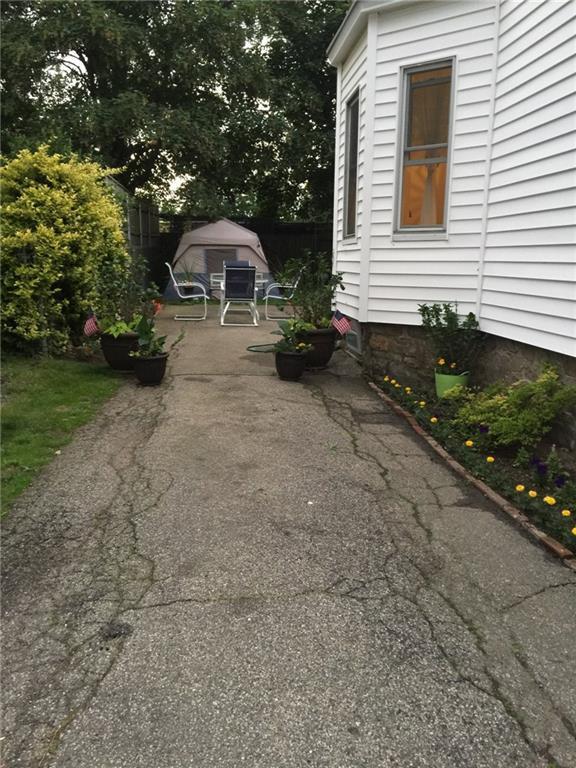24 Tilley Av, Newport, RI 02840 (MLS #1179371) :: Welchman Real Estate Group | Keller Williams Luxury International Division