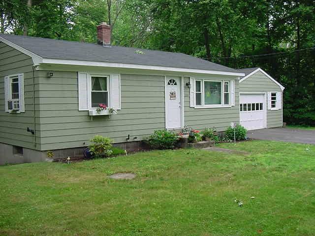 324 Scott Rd, Cumberland, RI 02864 (MLS #1195849) :: The Goss Team at RE/MAX Properties