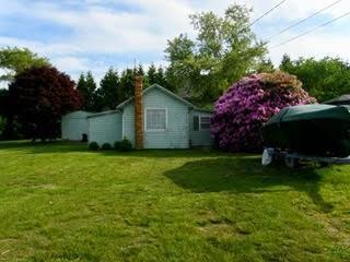 23 Clarke's Village Rd, Jamestown, RI 02835 (MLS #1203728) :: Welchman Real Estate Group   Keller Williams Luxury International Division