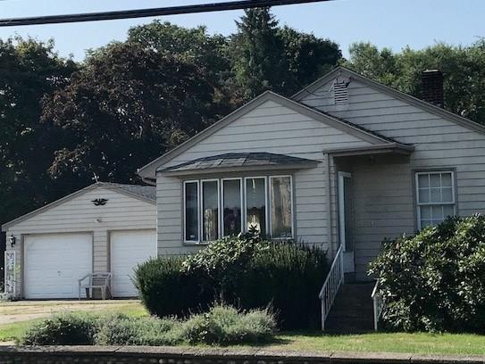 1845 Eagleville Rd, Tiverton, RI 02878 (MLS #1204085) :: Westcott Properties