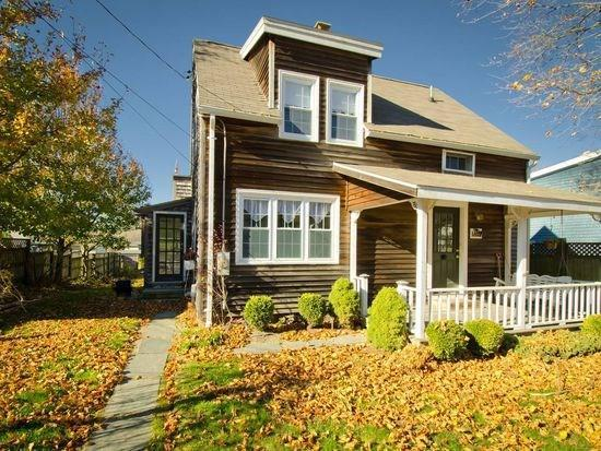 80 Columbia Av, Jamestown, RI 02835 (MLS #1217173) :: Welchman Real Estate Group | Keller Williams Luxury International Division
