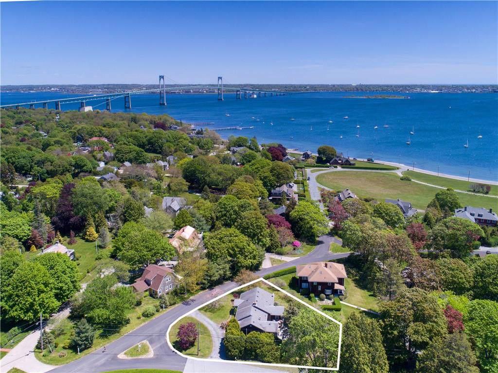 75 Longfellow Rd, Jamestown, RI 02835 (MLS #1224507) :: Welchman Real Estate Group | Keller Williams Luxury International Division