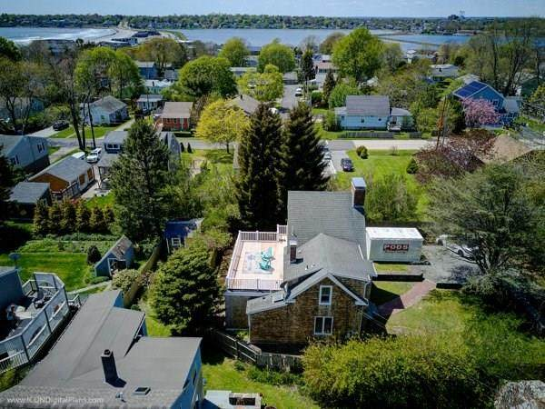 132 Center Avenue, Middletown, RI 02842 (MLS #1253344) :: The Martone Group