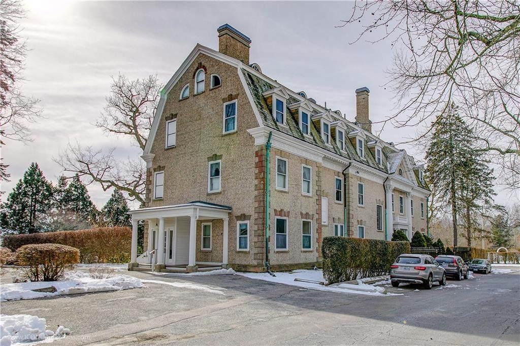 1 Oakwood Terrace - Photo 1