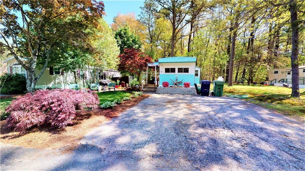 65 Linda Drive - Photo 1