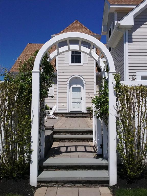 113 Newport Harbor Dr, Unit#8T 8T, Portsmouth, RI 02871 (MLS #1191935) :: Welchman Real Estate Group | Keller Williams Luxury International Division