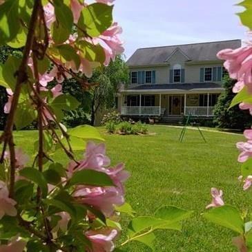 1568 Putnam Pike, Glocester, RI 02814 (MLS #1231109) :: Westcott Properties