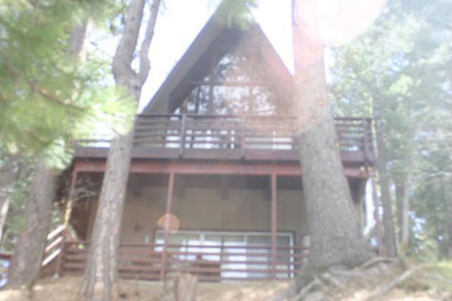 26676 Thunderbird Drive, Lake Arrowhead, CA 92352 (#2190514) :: Angelique Koster