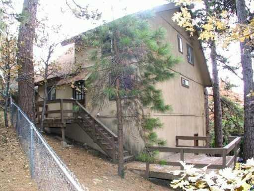 1153 Bear Springs Road, Rimforest, CA 92378 (#2182068) :: Angelique Koster