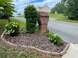 216 Fairmont Drive - Photo 2