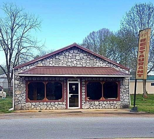 1012 E Madison Ave - Photo 1