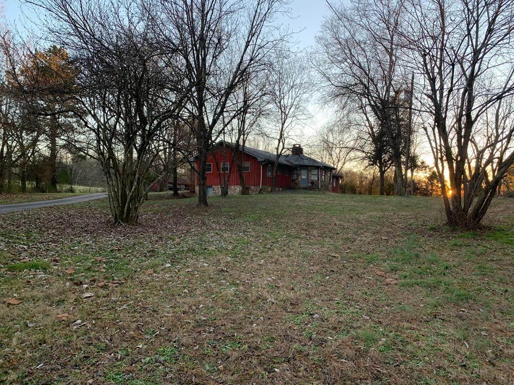 2806 Wolf Creek Road - Photo 1