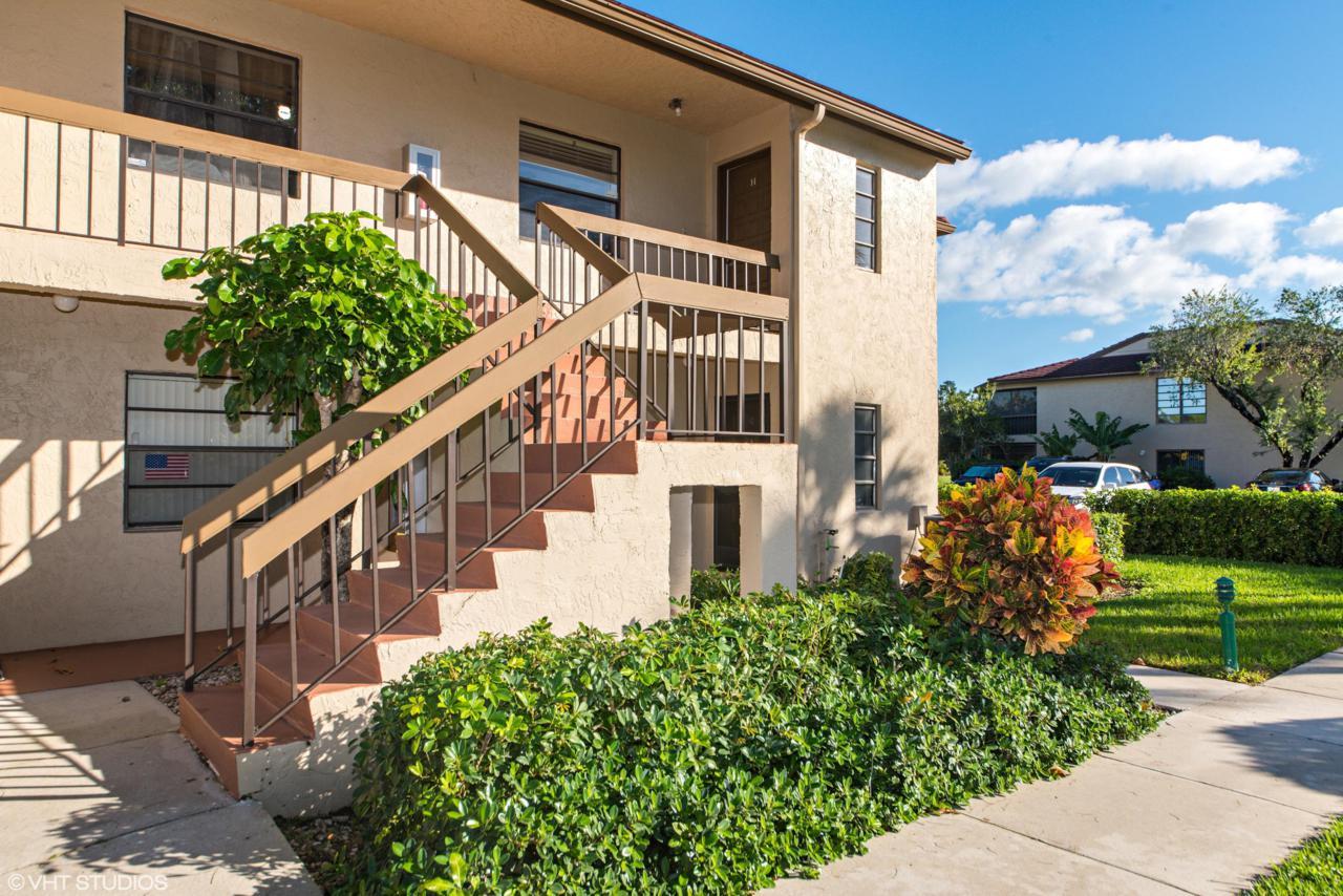 8545 Casa Del Lago - Photo 1
