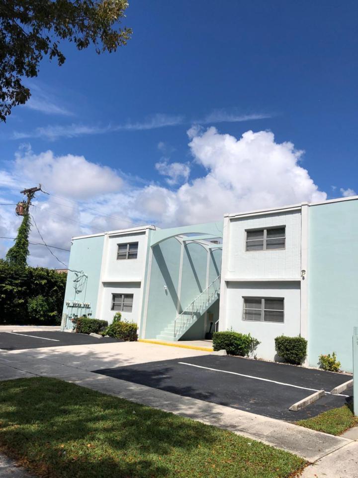 401 Southwind Drive - Photo 1