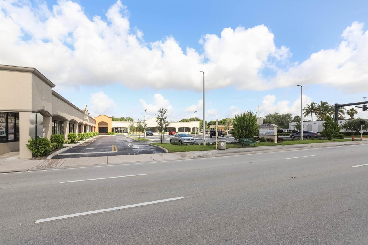 201 Federal Highway - Photo 1