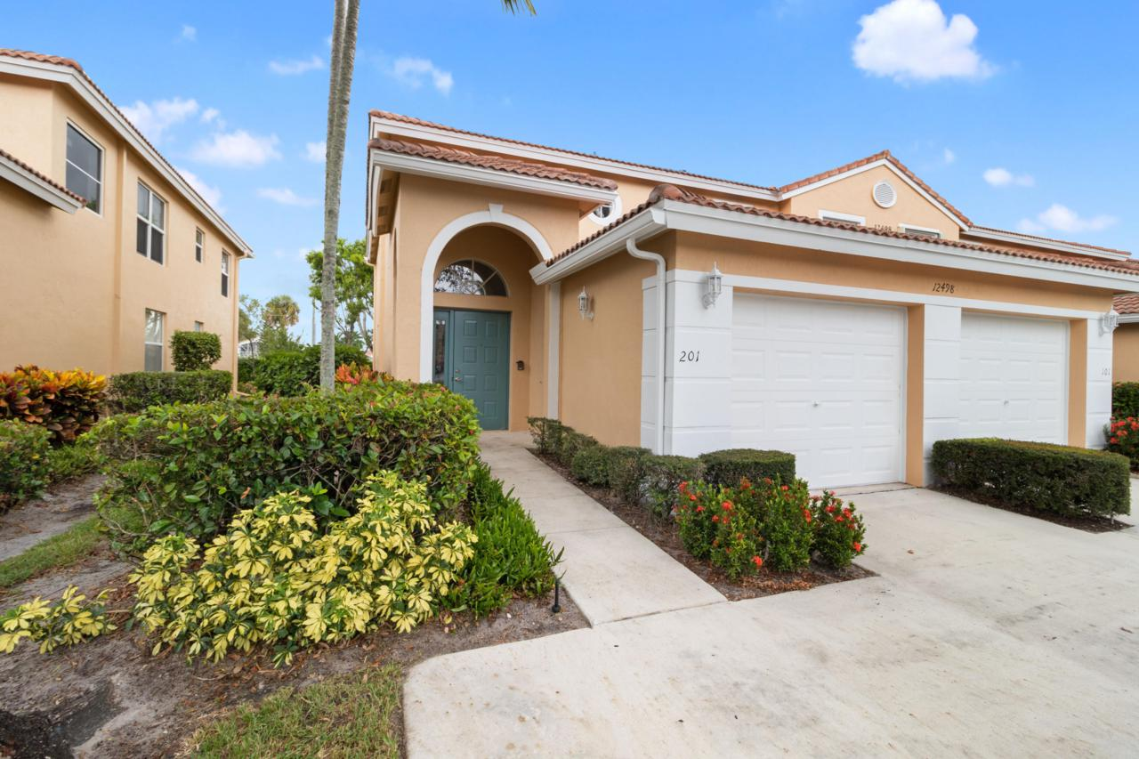 12498 Crystal Pointe Drive - Photo 1