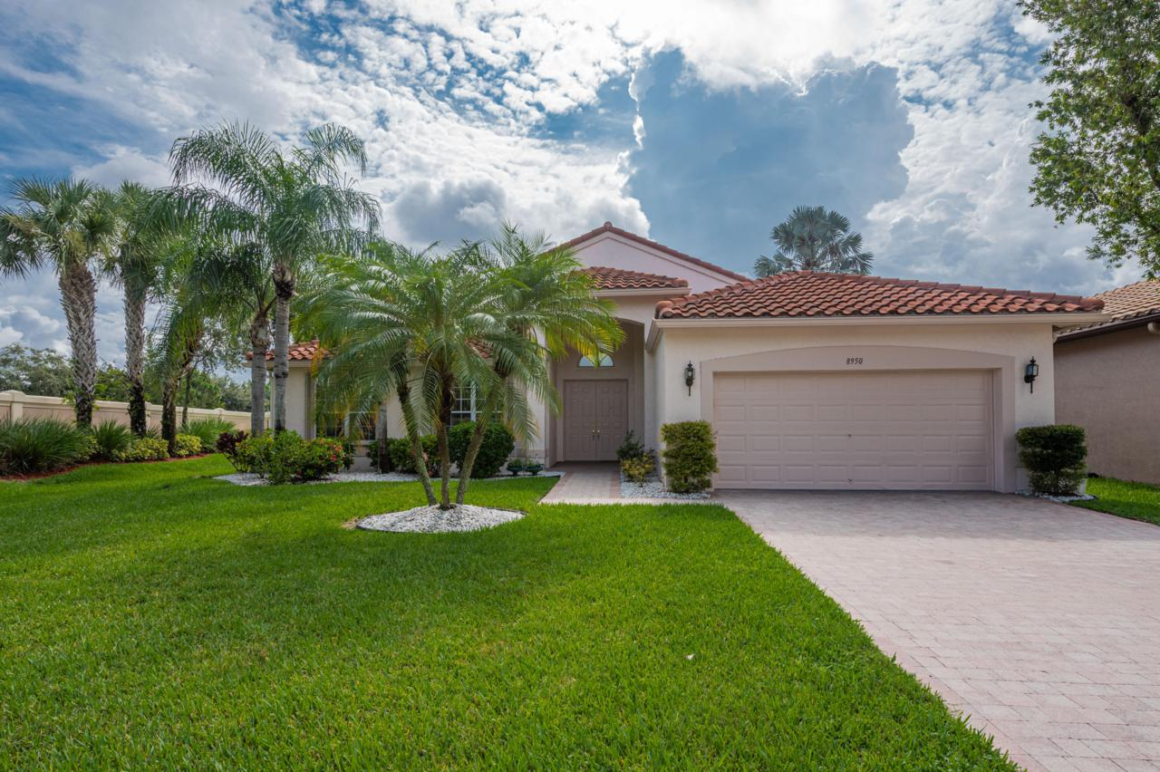 8950 Torcello Way - Photo 1