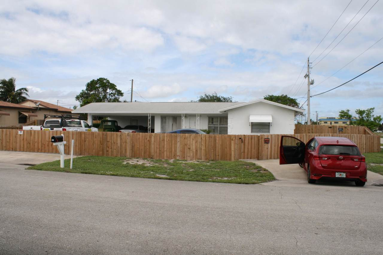 1013 Florence Road - Photo 1