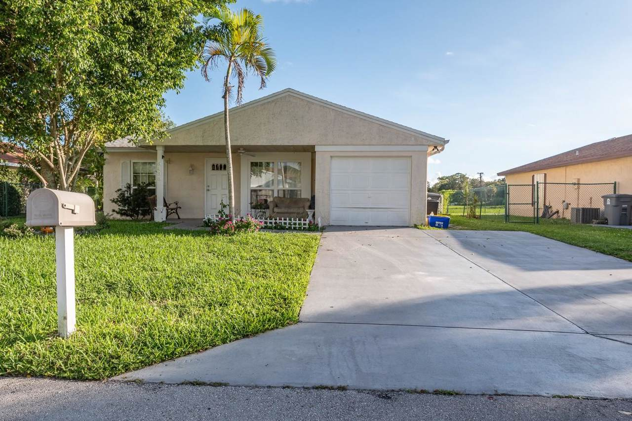 8438 Summer Field Place - Photo 1