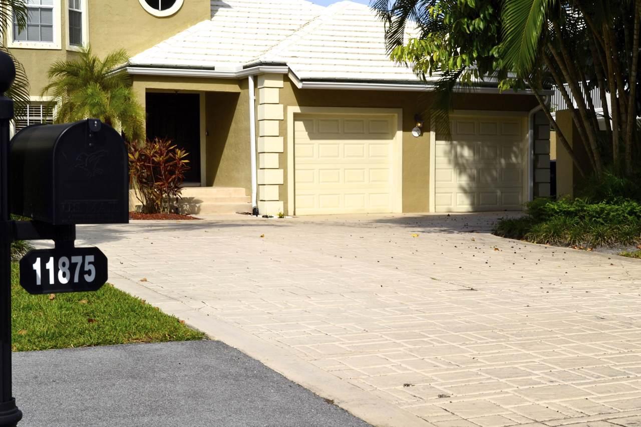 11875 Pebblewood Drive - Photo 1