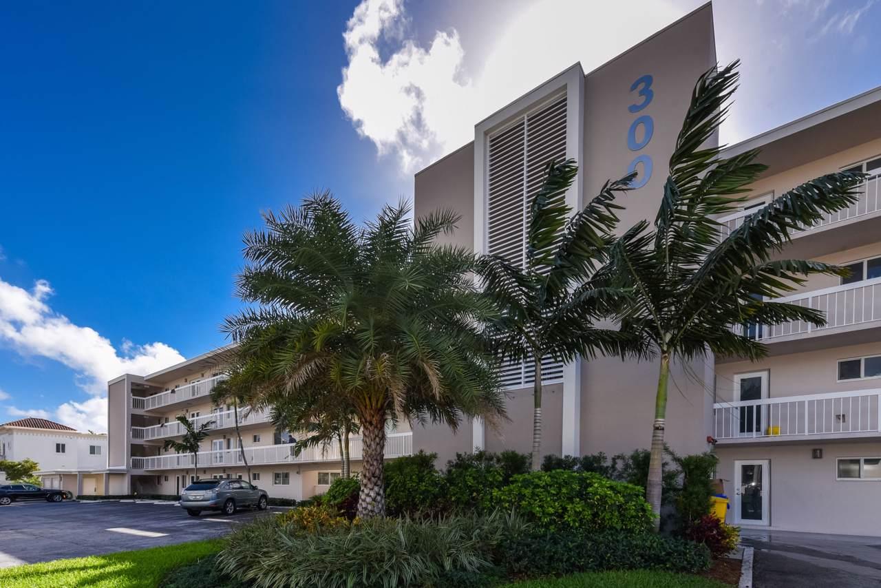 300 Royal Palm Road - Photo 1
