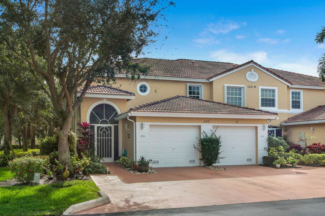 12418 Crystal Pointe Drive - Photo 1